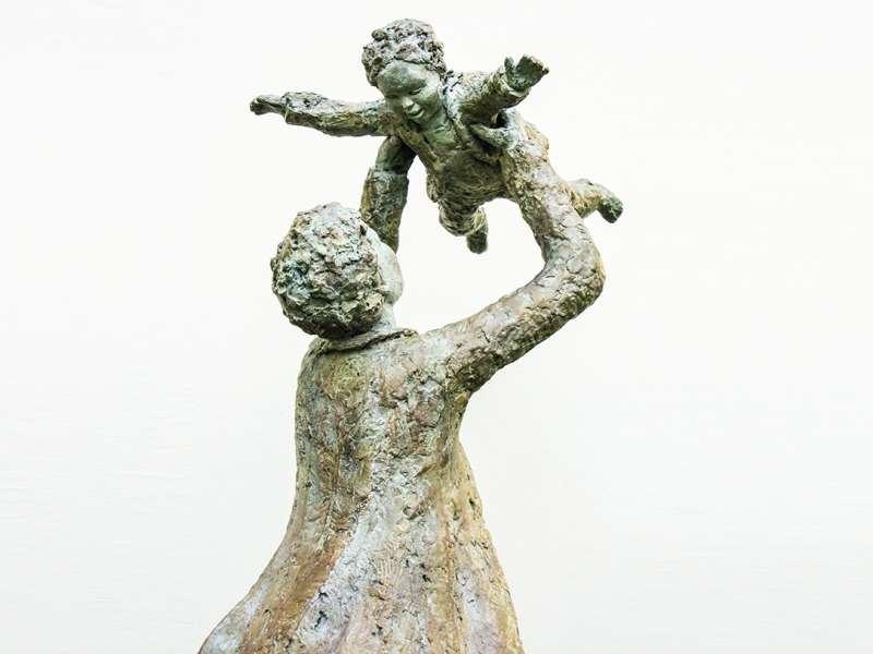 Bronze - le père et l'enfant (détail) - commande publique